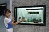 """Samsung představil transparentní 46"""" LCD"""